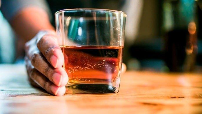 Алкоголь - страшная вредная привычка у взрослых